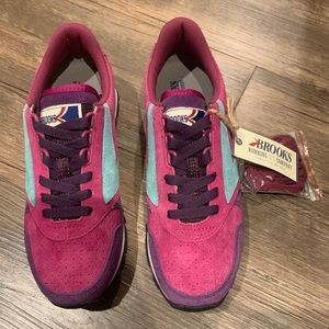 Women's Brooks Chariot Running Shoes